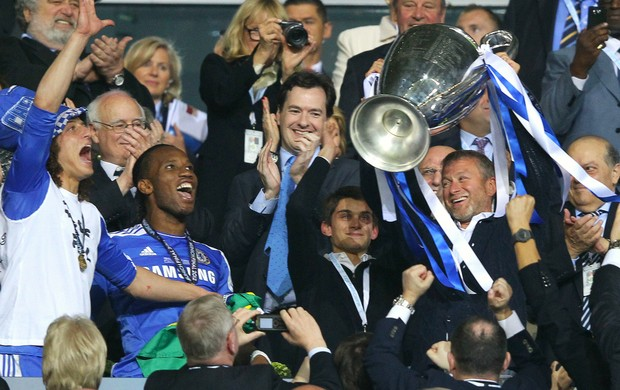 Roman Abramovich Chelsea troféu Liga dos Campeões (Foto: Getty Images)