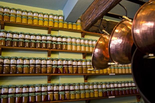 São inúmeras as lojas de doces caseiros que existem em Tiradentes (Foto: Haroldo Castro/ÉPOCA)