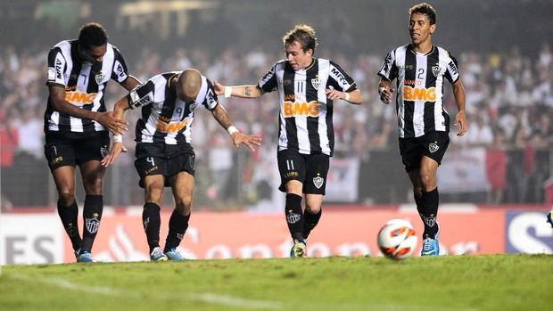 Diego tardelli gol Atlético-MG (Foto: Marcos Ribolli / Globoesporte.com)
