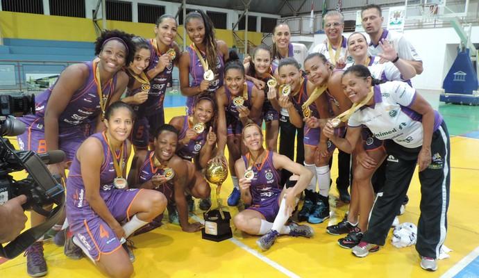 Americana campeã do Paulista Feminino de Basquete (Foto: João Paulo Tilio / GloboEsporte.com)
