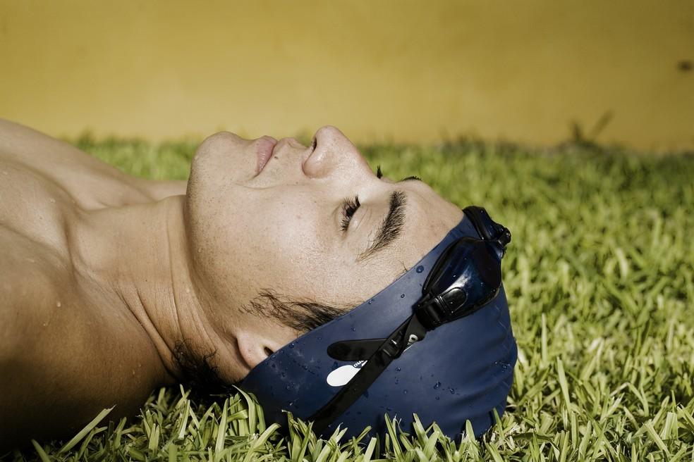 Nadador cansado e frustrado: overtraining causa inúmeros problemas, como a fadiga (Foto: Getty Images)