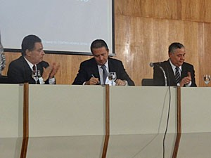 Eduardo Campos encaminhou projeto à Alepe (Foto: Vitor Tavares / G1)