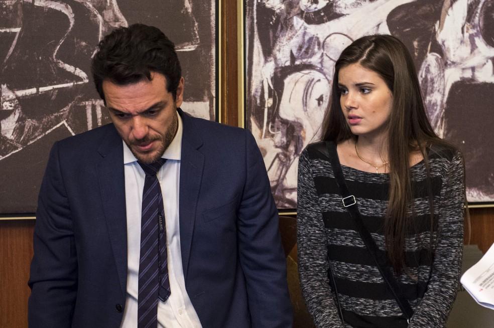 'Verdades Secretas' foi um grande sucesso! Na foto, Angel (Camila Queiroz) e Alex (Rodrigo Lombardi) (Foto: Estevam Avellar/Globo)