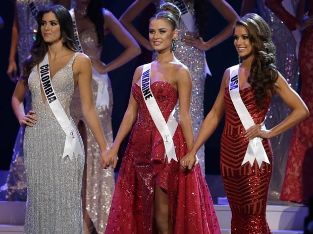 Paulina Vega, da Colômbia; Diana Harkusha, da Ucrânia; e Nia Sanchez, dos EUA (Foto: AP Photo/Wilfredo Lee)
