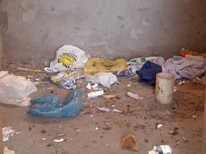 Local virou depósito de lixo e ponto de drogas (Foto: Cesar Fontenele/ EPTV)