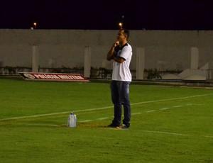 Tazinho, técnico do CSP (Foto: Juliana Bandeira / GloboEsporte.com/pb)