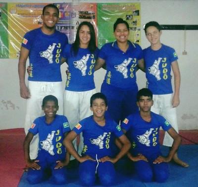 Alguns alunos de Judô do Mais Educação de Petrolina (Foto: Jéssica Silva / Arquivo pessoal)