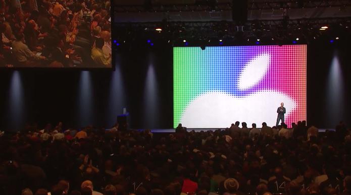 Tim Cook é aplaudido de pé por desenvolvedores Apple ao final do WWDC 2014 (Foto: Reprodução/Apple)
