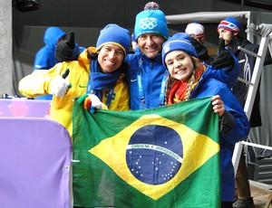 bobsled torcida Isabel Clark, Iván, Isadora Williams Brasil Sochi (Foto: Helena Rebello)