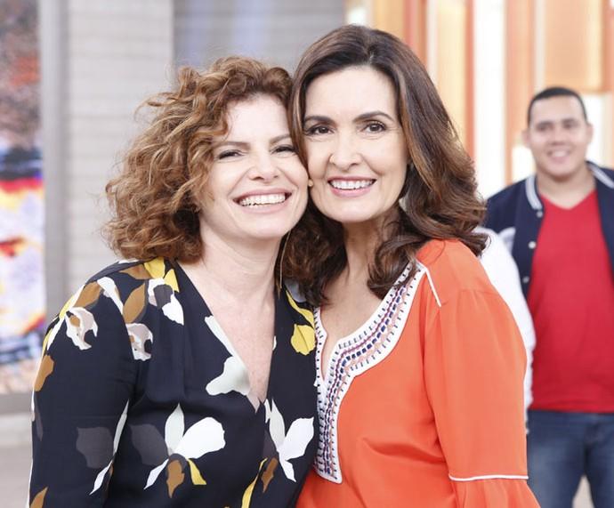 Fátima ao lado da atriz Débora Bloch (Foto: Ellen Soares/Gshow)