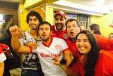 Jogadores do Inter festejam título com família em churrascaria; confira fotos