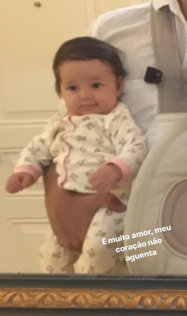 Madalena, filha de Bruno Gissoni e Yanna Lavigne (Foto: Reprodução/Instagram)