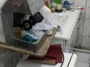Equipamentos foram encontrados em clínica (Foto: G1)