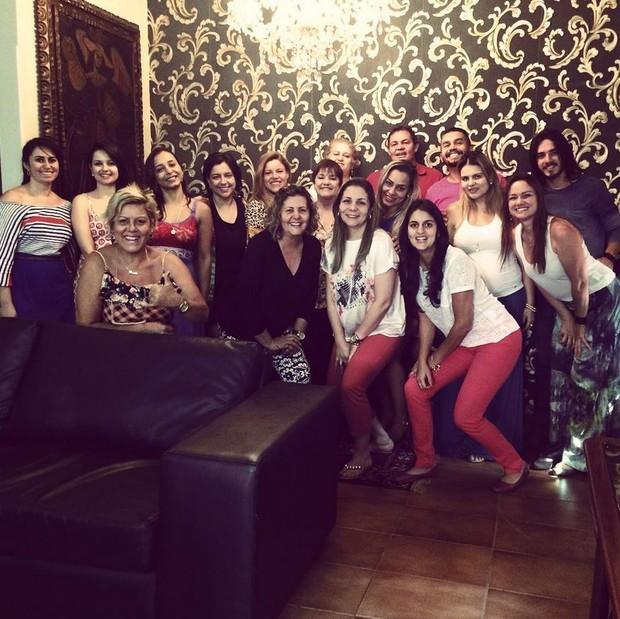 Fantine com fãs em show intimista em Goiânia (Foto: Reprodução/Instagram)