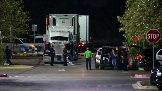 8 pessoas são achadas mortas dentro de caminhão no Texas