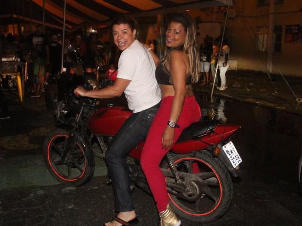 David Brazil e Tati Quebra Barraco em festa na Zona Oeste do Rio (Foto: Rodrigo dos Anjos/ Ag. News)