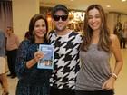 Paulo Gustavo e mais famosos vão a lançamento de livro no Rio