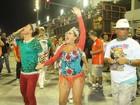 Vídeo: Susana Vieira é ovacionada pelo público no Setor 1 da Sapucaí