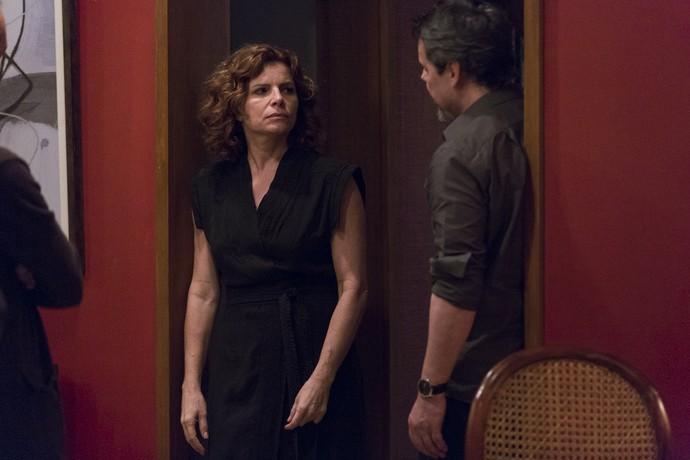 Elisa conta seu plano de vingança (Foto: Ellen Soares/Gshow)