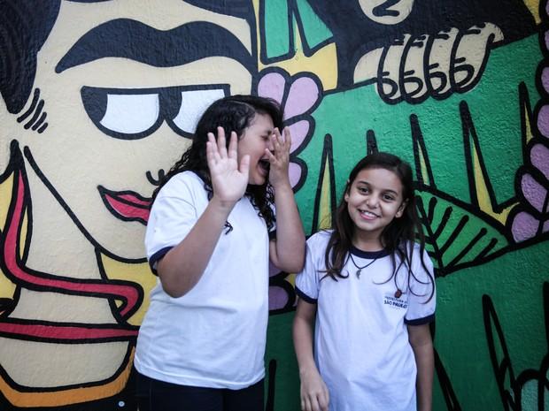 Alunos se divertem fazendo fotos na entrada do Museu da Imagem e do Som (MIS), no Jardim Europa, Zona Oeste de São Paulo (Foto: Fábio Tito/G1)