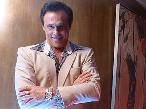 Oscar Magrini será dono de uma casa de prostituição (Foto: TV Globo / Divulgação)