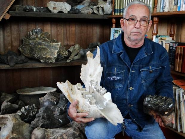 Coleciondor de Fósseis (Foto: Donicélio Nunes /Arquivo pessoal)