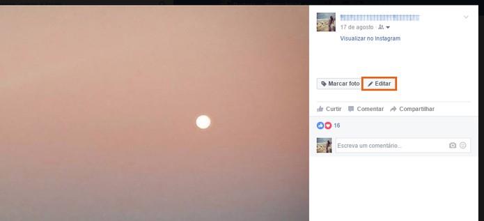 Clique no botão para editar as informações de uma foto no Facebook (Foto: Reprodução/Barbara Mannara)