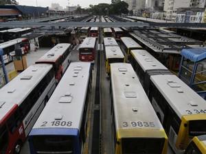 Paralisação afeta ao menos 15 terminais de ônibus nesta quarta-feira (10) (Foto: Nelson Antoine/Fotoarena/Estadão Conteúdo)