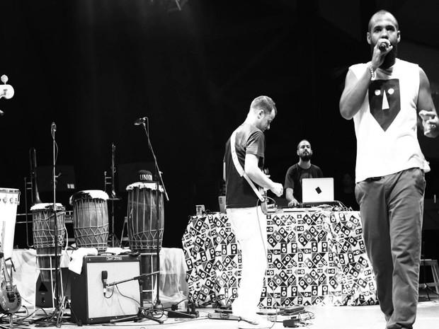 Banda BaianaSystem faz show sábad (12), no Largo Tereza Batista, às 21h.  (Foto: Cartaxo)