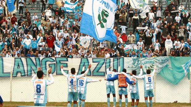 Londrina comemora boa fase na Segundona (Foto: Gilberto Abelha/JornaldeLondrina)