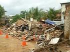 Casa onde laje desabou e crianças morreram é demolida na Zona da Mata