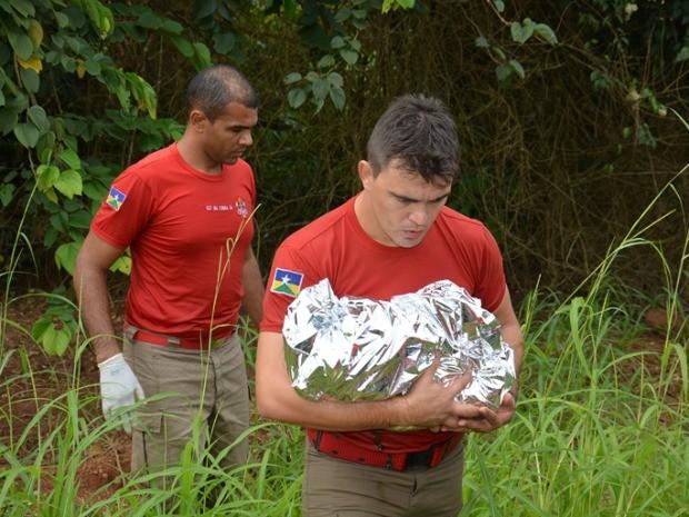 Corpo foi encontrado próximo a uma ponte no Rio Mororó em Jaru (Foto: Flávio Afonso/A Notícia Mais.)
