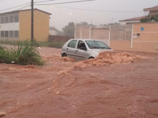 Chuva Palmas 18/01 (Foto: Divulgação)