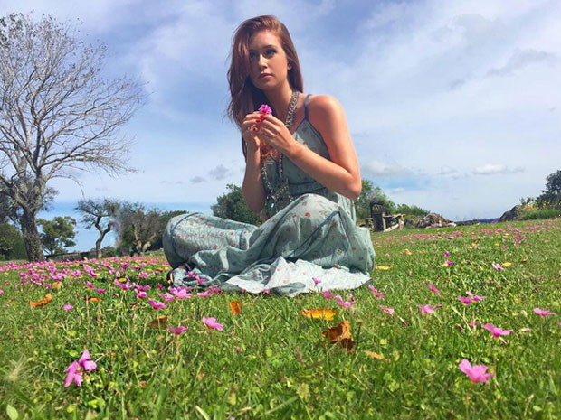 Marina Ruy Barbosa posa para foto (Foto: Instagram/ Reprodução)
