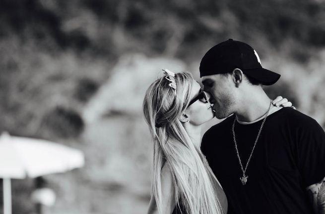 Paris Hilton e  o ator Chris Zylka, da série The Leftovers.  (Foto: Reprodução/Instagram)