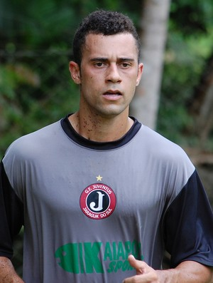 Reforço para o Catarinense 2013, meia-atacante Vina  treina no Juventus de Jaraguá do Sul (Foto: Divulgação, Avante / GE Juventus)
