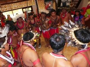 Indígenas durante a inauguração do espaço, em Cacoal (Foto: Thomas Pizer/Aquaverde)