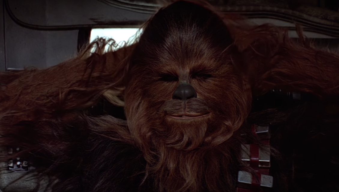 Chewbacca em vídeo em que canta 'Noite Feliz' (Foto: Reprodução/Youtube)