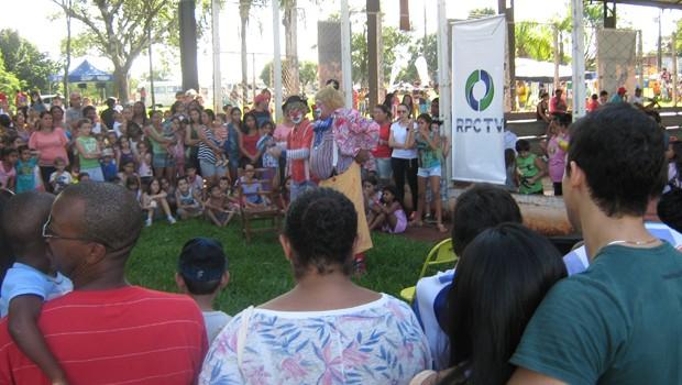 RPC TV na Praça levou diversão para as crianças de Londrina (Foto: Divulgação/RPC TV)