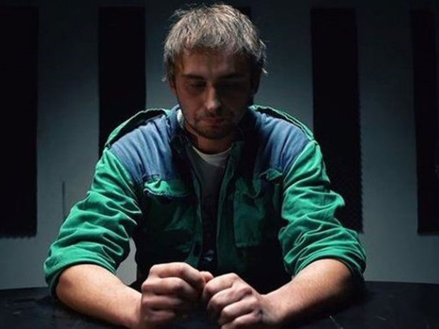 O filme de Jakub precisava ser visto 200 mil vezes para que o acordo com as empresas fosse válido. (Foto: BBC)
