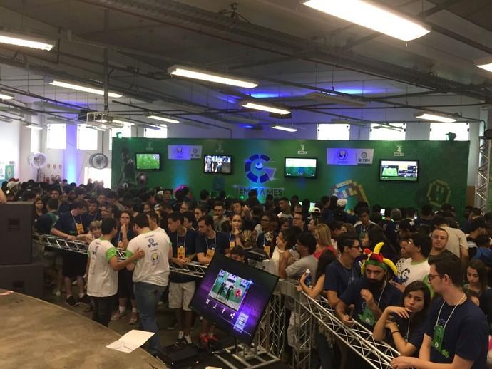 Aproximadamente 260 competidores se inscreveram para a disputa dos prêmios (Foto: Gabriel Morelli/G1)