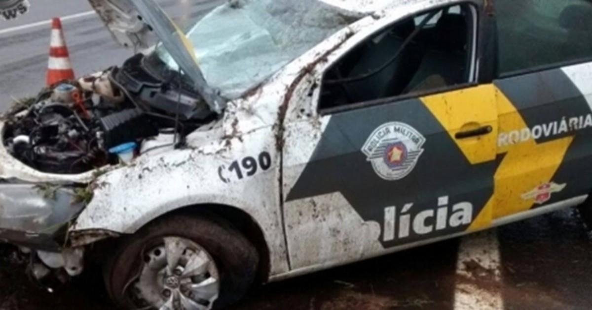 Carro da polícia rodoviária capota na Marechal Rondon em ... - Globo.com