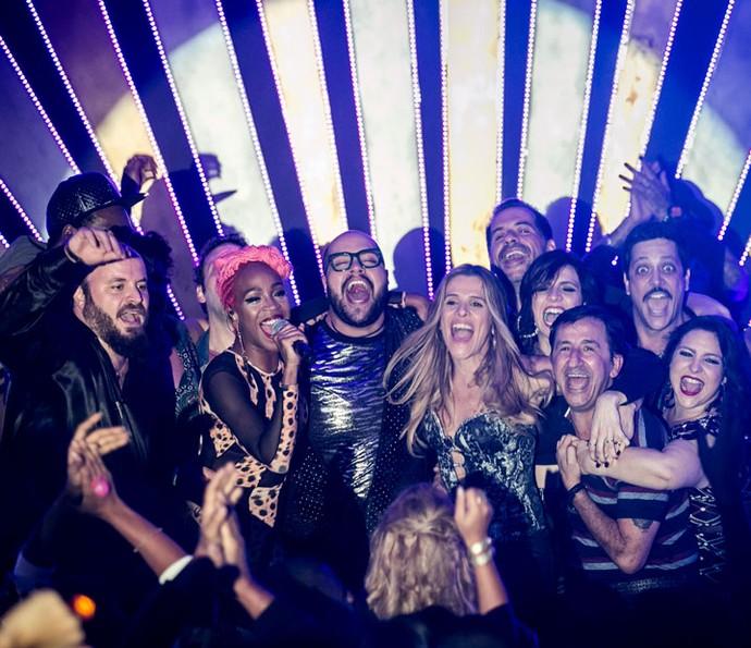Karol Conka e elenco de Chapa Quente canta hit 'Tombei' em último episódio (Foto: Gshow/Isabella Pinheiro)