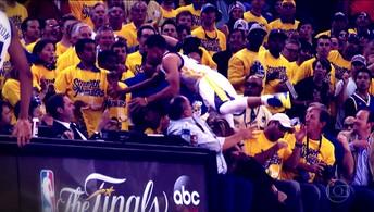 Curry dá susto, e Leandrinho e Varejão  ajudam os Warriors a vencer o Thunder