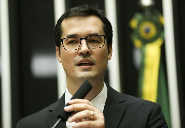 O procurador Deltan Dallagnol, coordenador da Força Tarefa do Ministério Público Federal na Operação Lava Jato, fala na Câmara dos Deputados (Foto: Marcelo Camargo/Agência Brasil)
