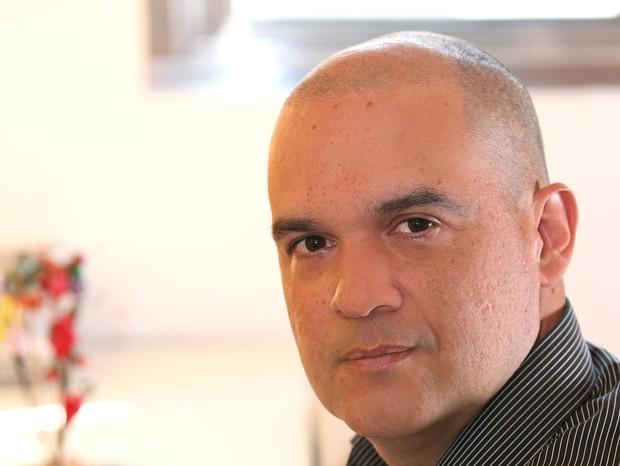 Alexandre Teixeira, autor de 'Felicidade S/A' e 'De Dentro Para Fora' (Foto: Divulgação)