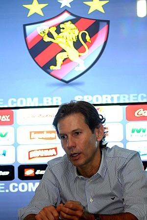 gustavo dubeux sport (Foto: Aldo Carneiro / Pernambuco Press)