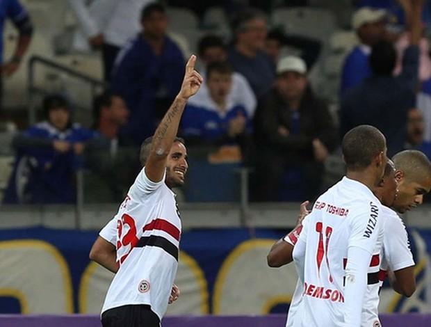 Douglas São Paulo x Cruzeiro (Foto: Rubens Chiri / saopaulofc.net)