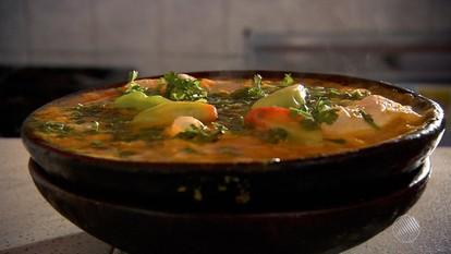 'Panela de Bairro' ensina receita de moqueca de charque, chuchu e jaca