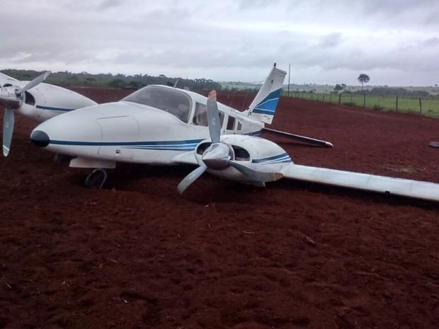 Avião com 7 pessoas fez pouso forçado em Arenápolis (MT) (Foto: Moisés Souto/Arquivo pessoal)